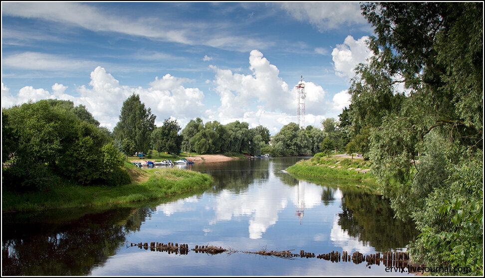 В погожий денек река дает отличные пейзажи