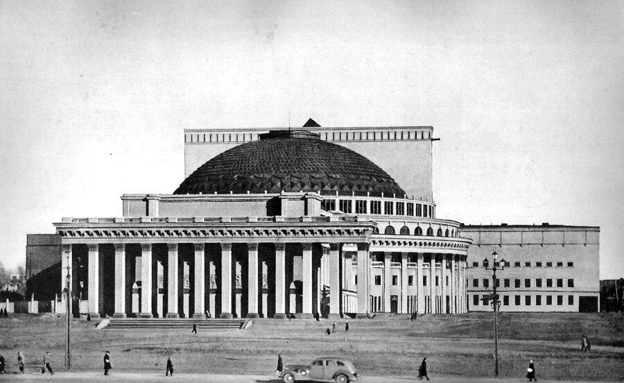 В 1946 году состоялась премьера первого балета Корсар