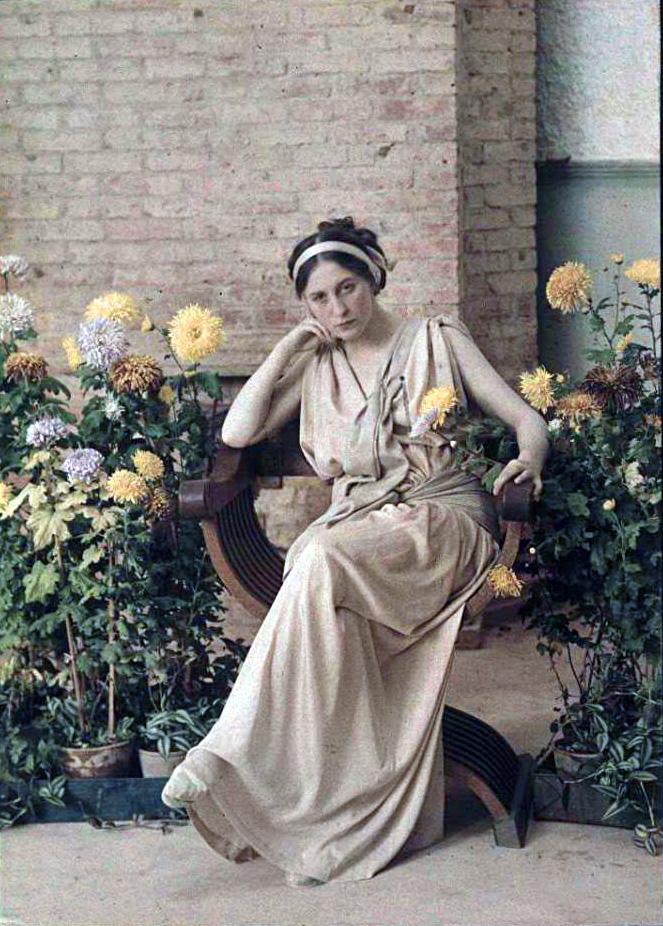 1914 Неизвестная в Ялте Веденисов2.jpg