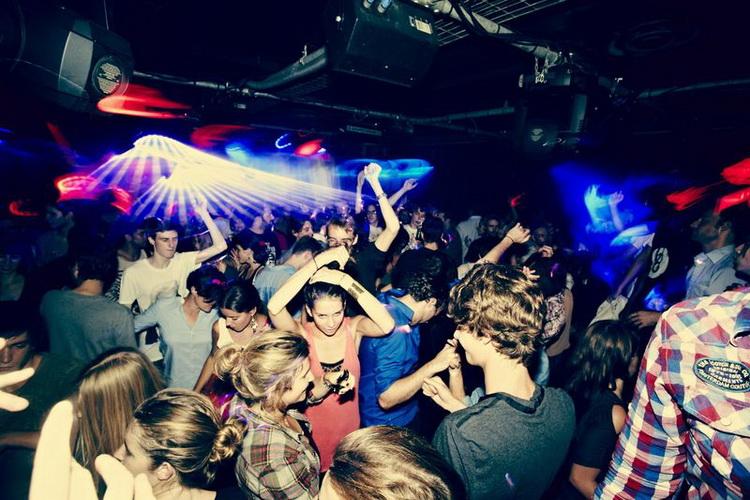 Фото в клубе
