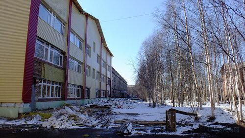 Фото города Инта №4149  Северная сторона детской поликлиники и больницы (Мира 12) 30.04.2013_12:53
