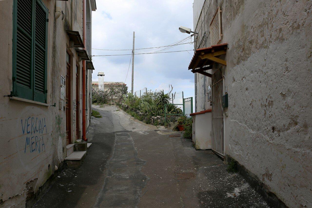 Ischia Porto. Via Procidano