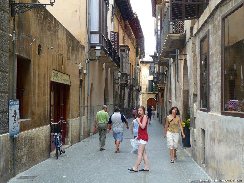 Гуляя по стариным улочкам...