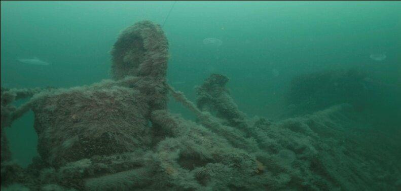Затонувшая Щ-211 на дне моря