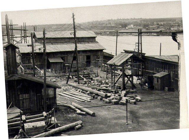 У бетонного завода правого берега. Июль 1933 г.
