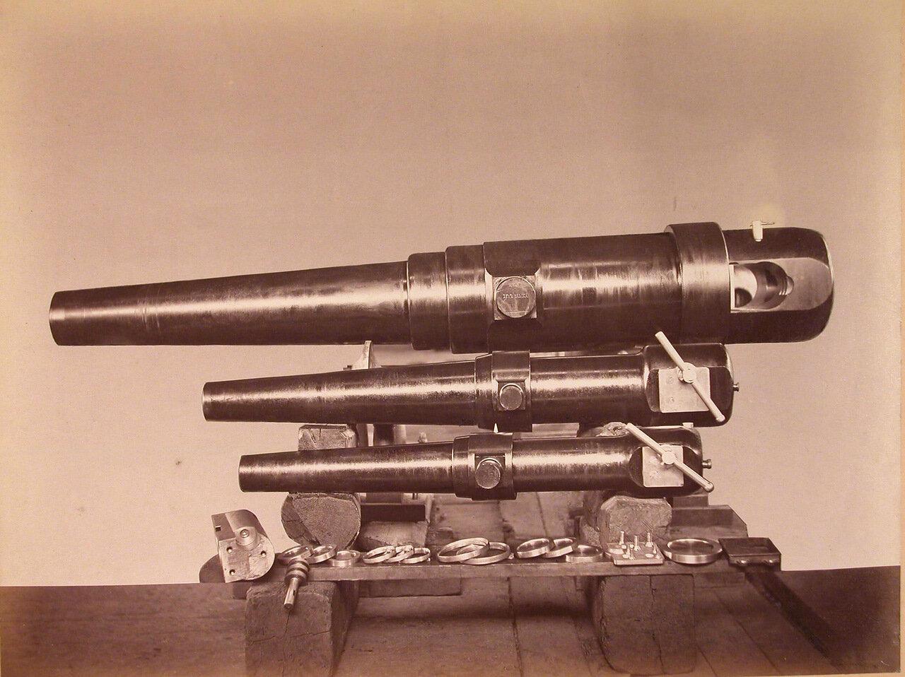 23. Общий вид стальных орудий (6-дюймового, 9- и 4-фунтовых)