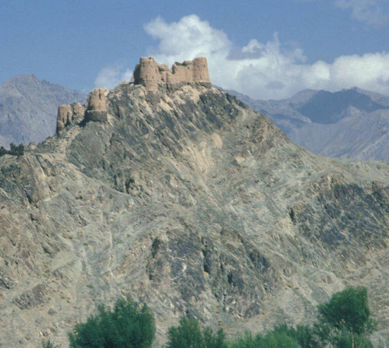 Древний форт в горах Гиндукуша