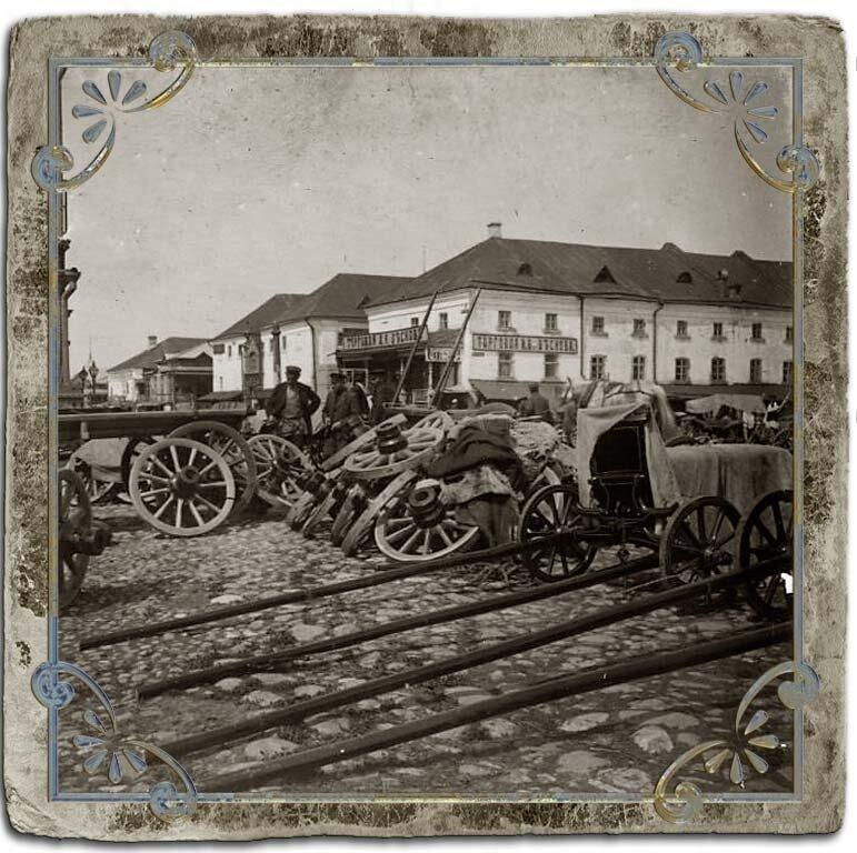 Торговля телегами, площадь перед Воскресенским собором, 1907 год