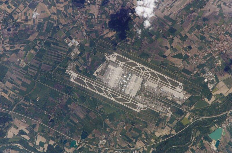 Международный аэропорт Мюнхена, Германия из космоса