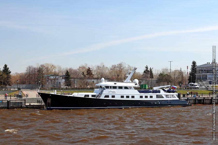 3 мая 2013 года 12:59. Созданная в 1985 году по индивидуальным чертежам американского конструктора Джона А.Найлена 47-метровая яхта «Шанталь»
