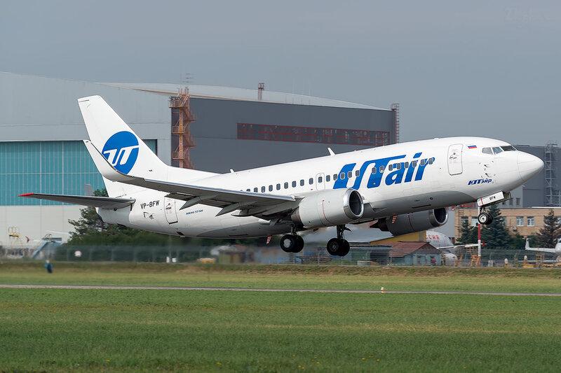 Boeing 737-524 (VP-BFW) ЮТэйр D801409