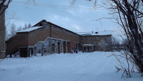 Фотография Инты №6308  Восточная сторона Мира 14 (вход в школу №43) 21.11.2013_12:07