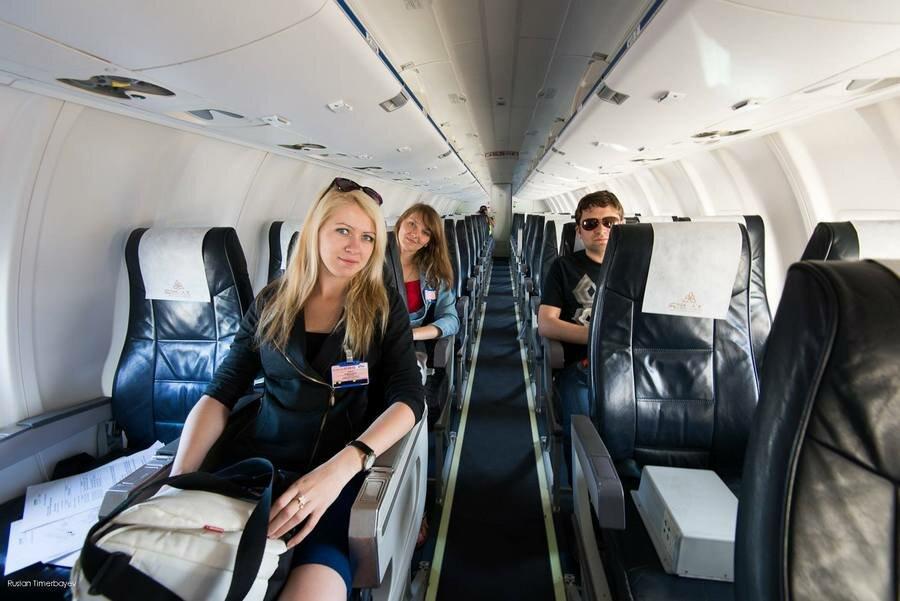 Салон самолета Bombardier CRJ 200 авиакомпании Скат