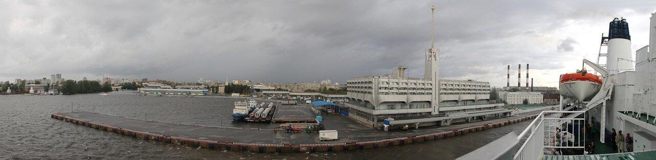 Старый Морской вокзал Ленинграда, паромный терминал St.Peter Line, панорама