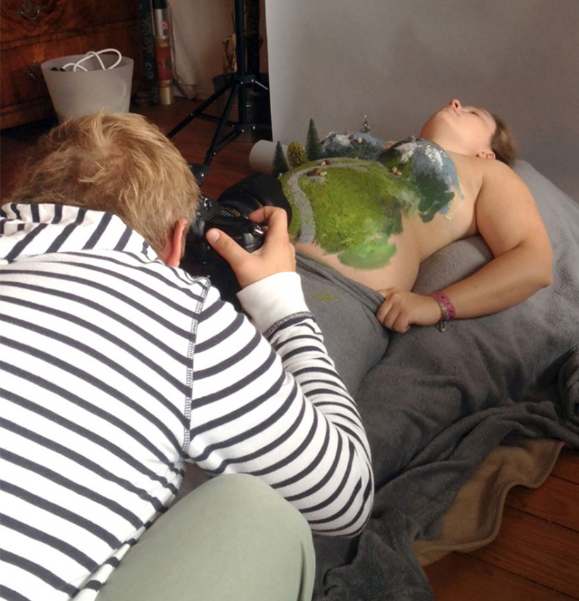 Самая оригинальная фотосессия беременной женщины