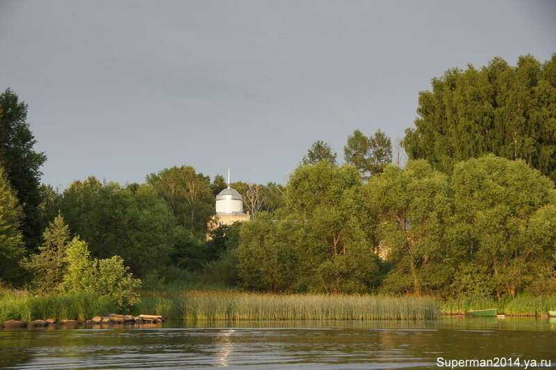 вид с Волги на Николо-Бабаевский монастырь
