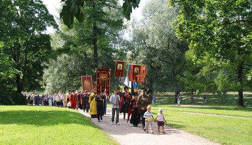 Крестный ход в память Царственных Мучеников Николая II и Семьи