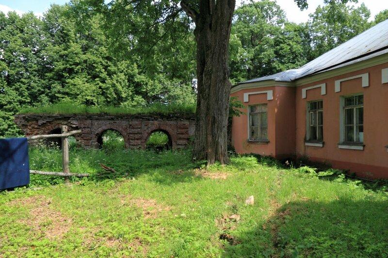 Ольгово, Южный флигель и галерея