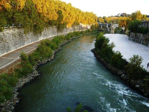 Италия. Рим. Река Тибр (Italy. Rome. The river Tiber).