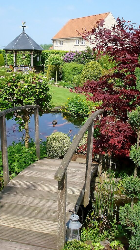 Romantic wooden Garden Bridge