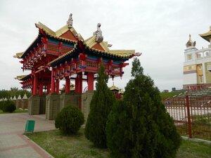 Элиста - центр буддизма(и шахмат) России