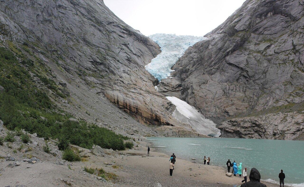 Ледник Бриксдалсбреен. Briksdalsbreen glatcier