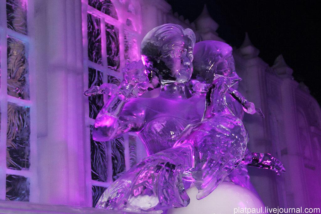 Выставка ледяных скульптур в Брюгге