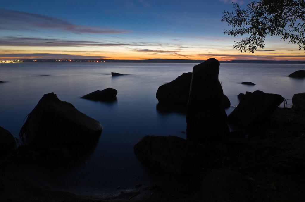 На съемки пейзажа приехал до восхода солнца. Фото снято на Nikon D5100 + Samyang 14/2.8 + штатив