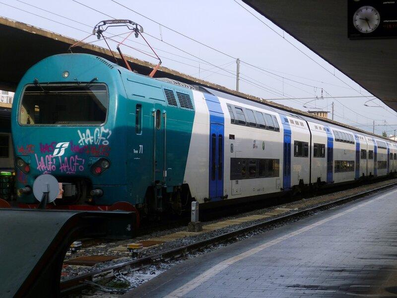 Италия. Двухэтажный поезд. (Italy. Double-decker train)