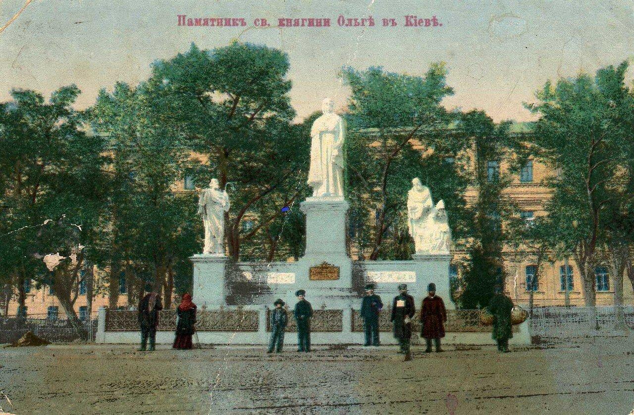 Памятник св. княгине Ольге