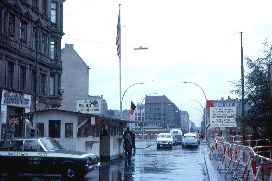 1963. Чекпойнт Чарли