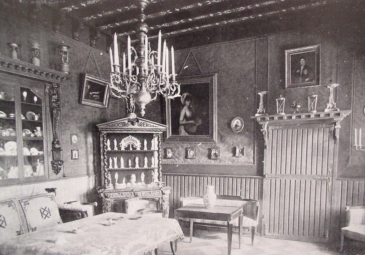 Имение князя Кочубея. Интерьер комнаты во дворце