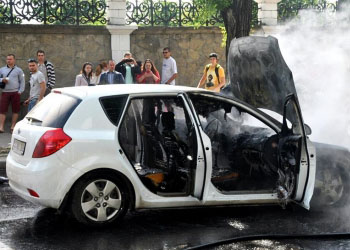 В Кишиневе на Телецентре загорелся автомобиль