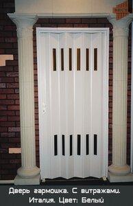 Дверь Гармошка с   витражами.