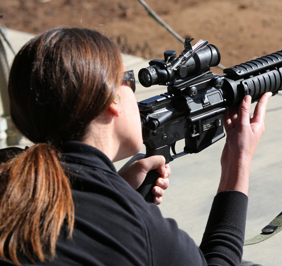 Жены морских пехотинцев на один день заменили мужей