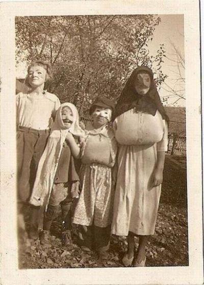 Хэллоуин уже не тот … Костюмы из прошлого