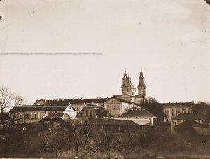 Вид на здание Кадетского корпуса с Верхнего замка.
