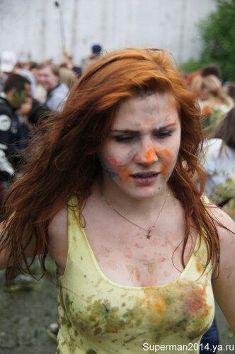 Фестиваль красок холи в Измайловском кремле