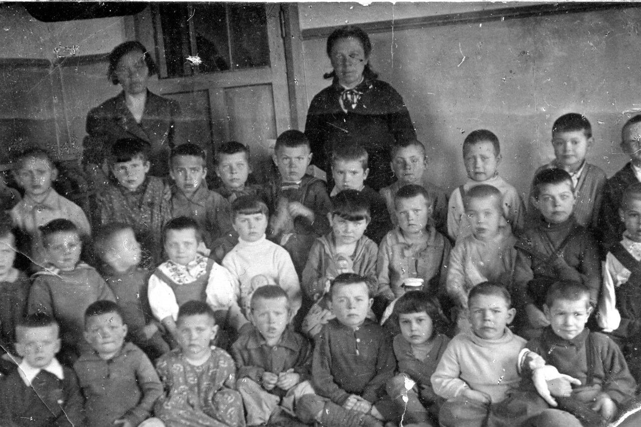 1942. Детский сад. Горький