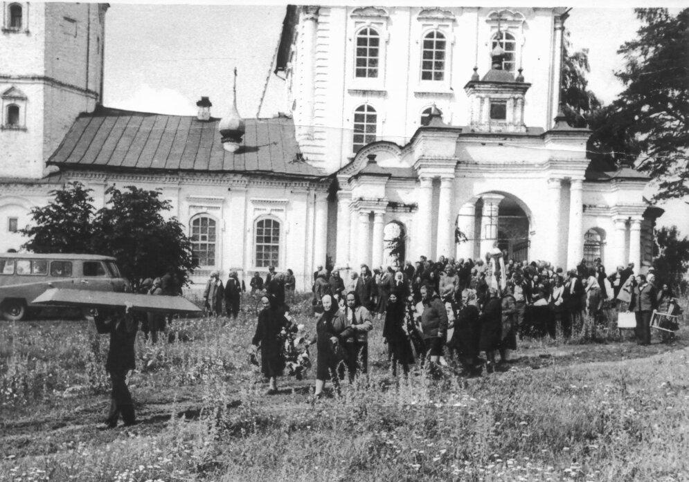 Погребение о. Владимира Ткачева (1978)