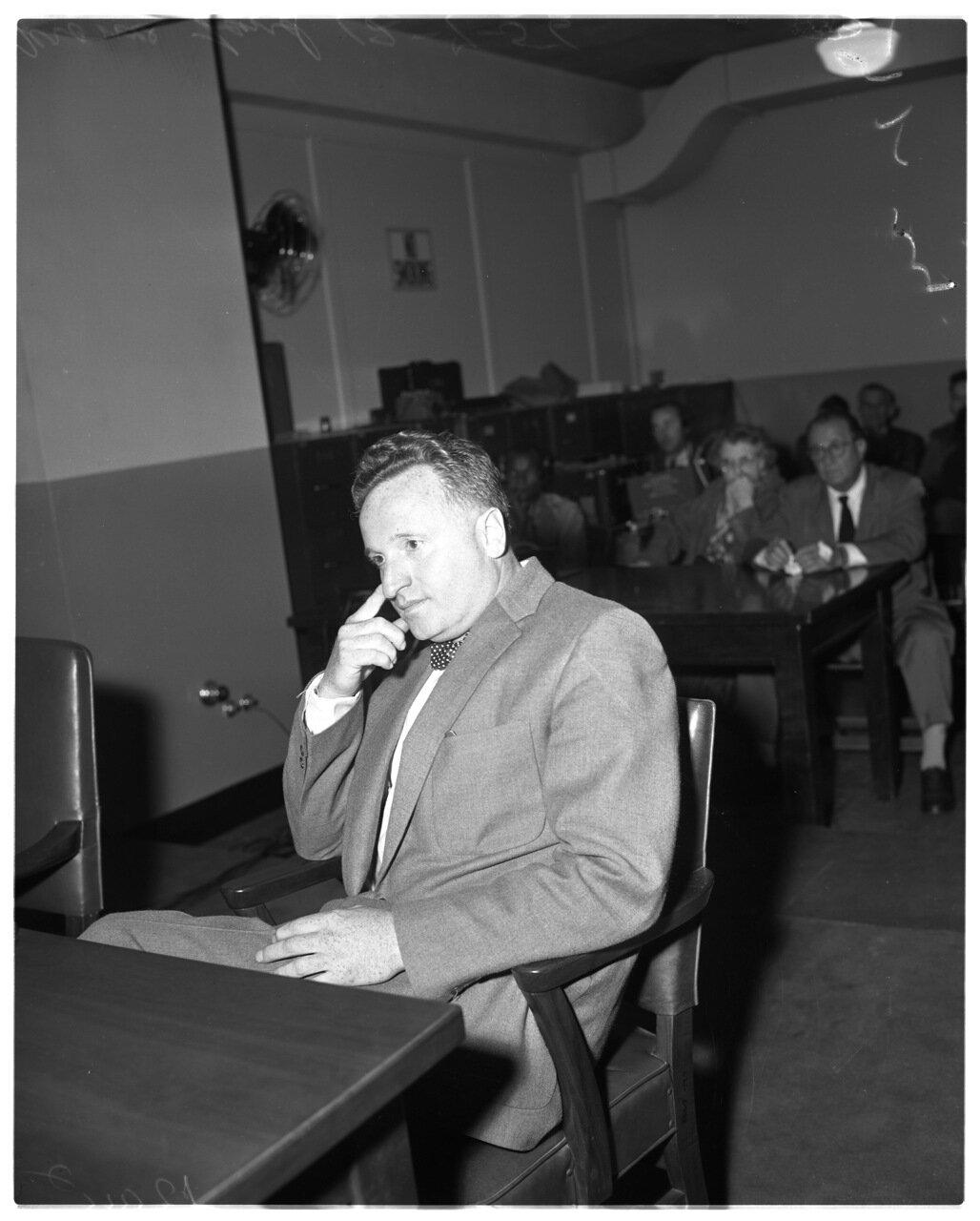 1956. 7 декабря. Комиссия по расследованию антиамериканской деятельности. Адвокат Джером Омерберг