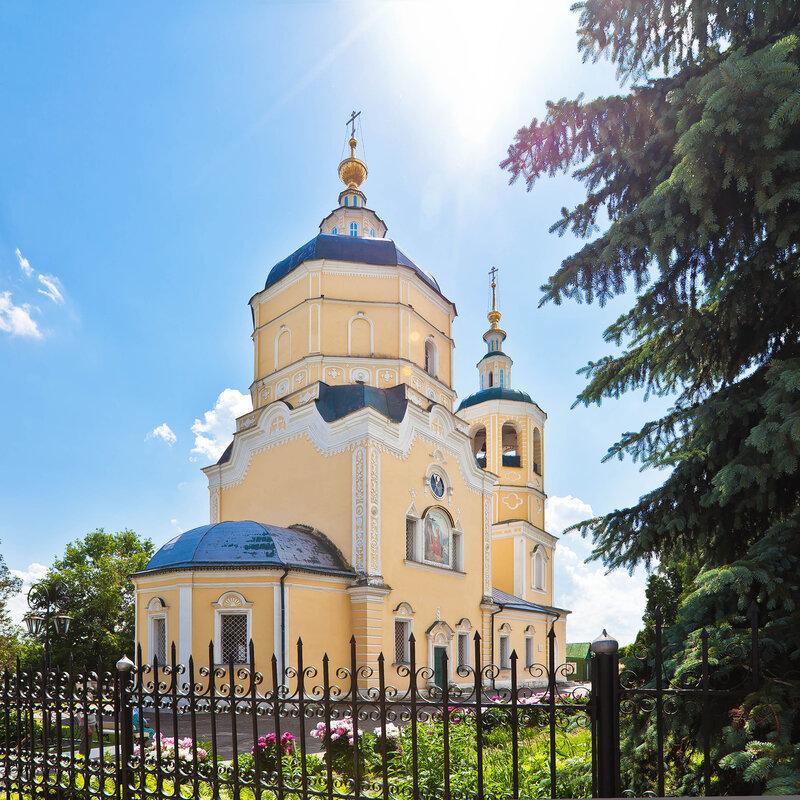 Ильинская (Желтая) церковь в Серпухове