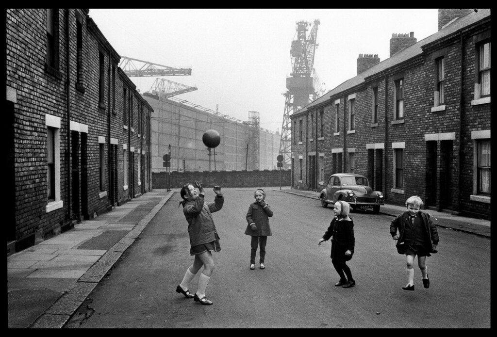 IRELAND. Belfast. New Castle. 1968.jpg