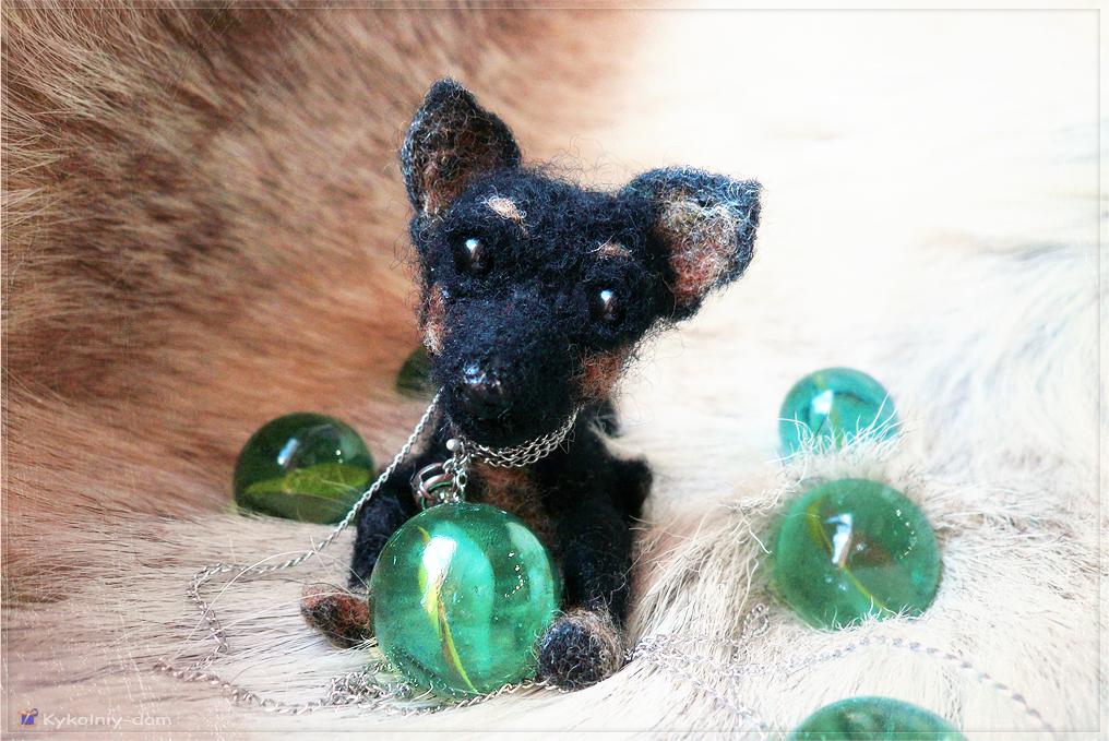 игрушка из шерсти. Русский той - терьер (Russian toy terrier) . Настёна со своей манюней Бусинкой