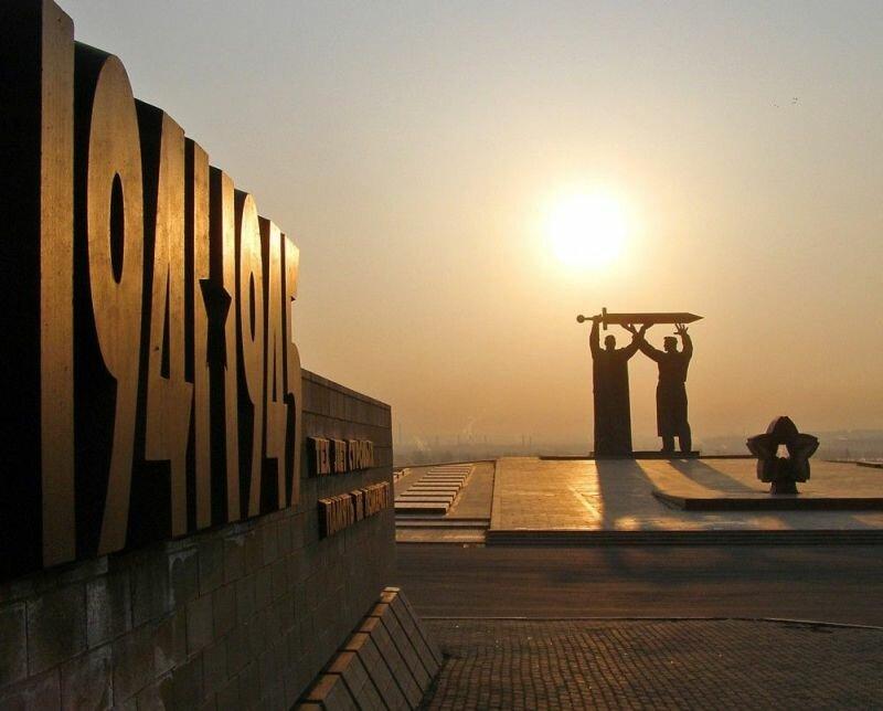 Монумент в честь победы в Великой Отечественной войне (23.05.2013)