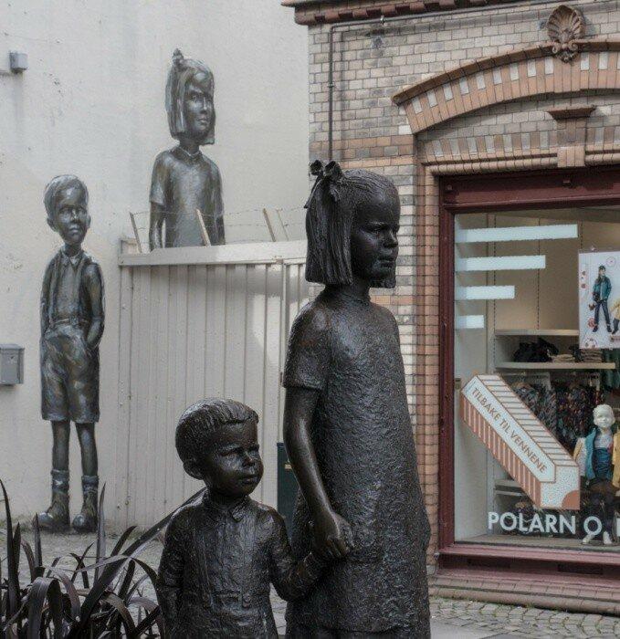 Уличный художник Ernest Zacharevic.