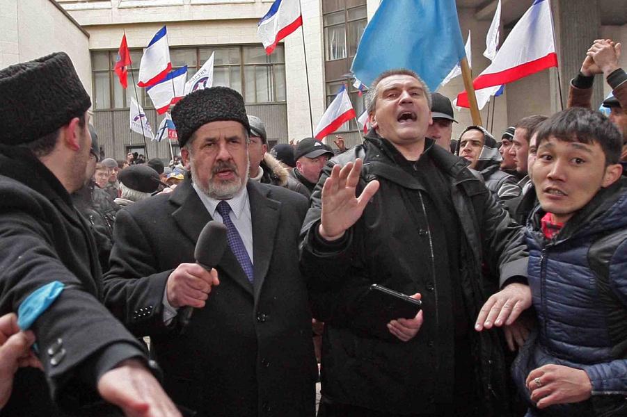 Столкновения в Симферополе 2014, Аксенов.png