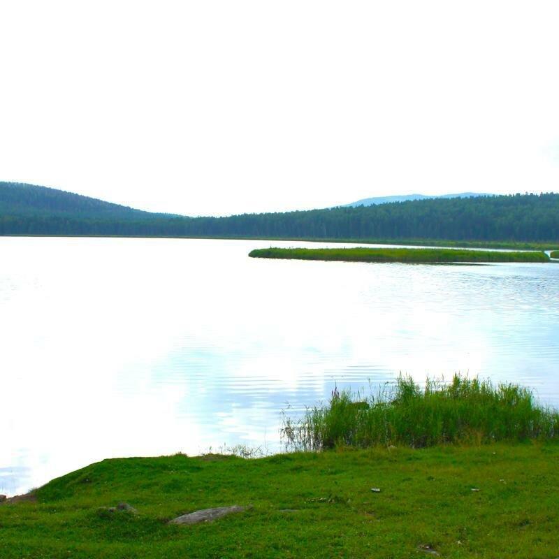 Озеро славится плавучими островками (16.05.2013)