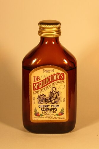 Шнапс Dr. McGillicuddys Cherry Plum Schnapps Liqueur