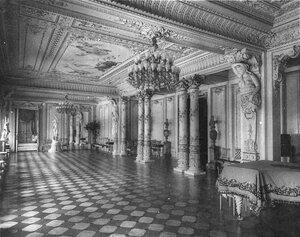 Концертный зал в доме Г.Г.Елисеева.